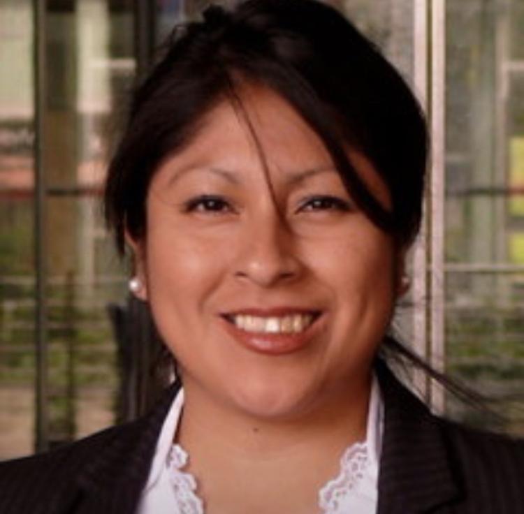Carmen-Abogada Peruana en Alemania y Perú