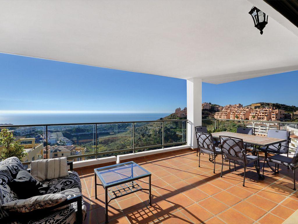 Apartment-in-Calahonda-Finest-Marbella-Real-Estate-AP-012-1.jpg
