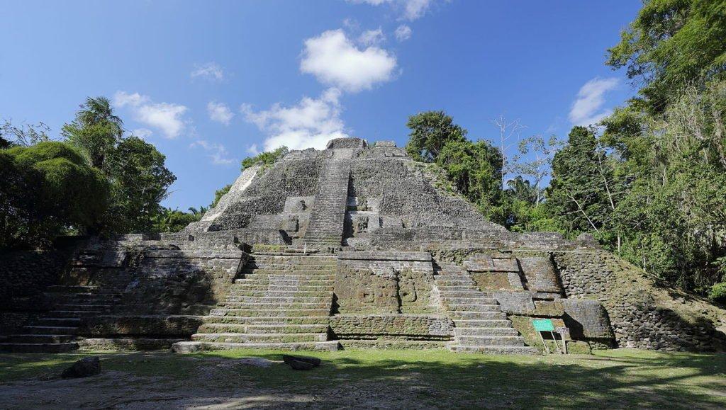 Belize - Lamanai - Maya Ruinen - Hoher Tempe
