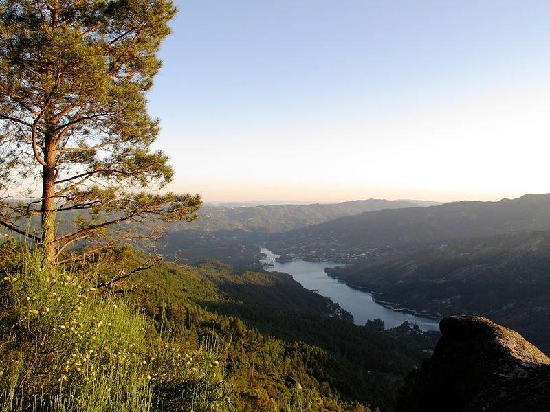 Portugal - Blick auf den Rio Cávado