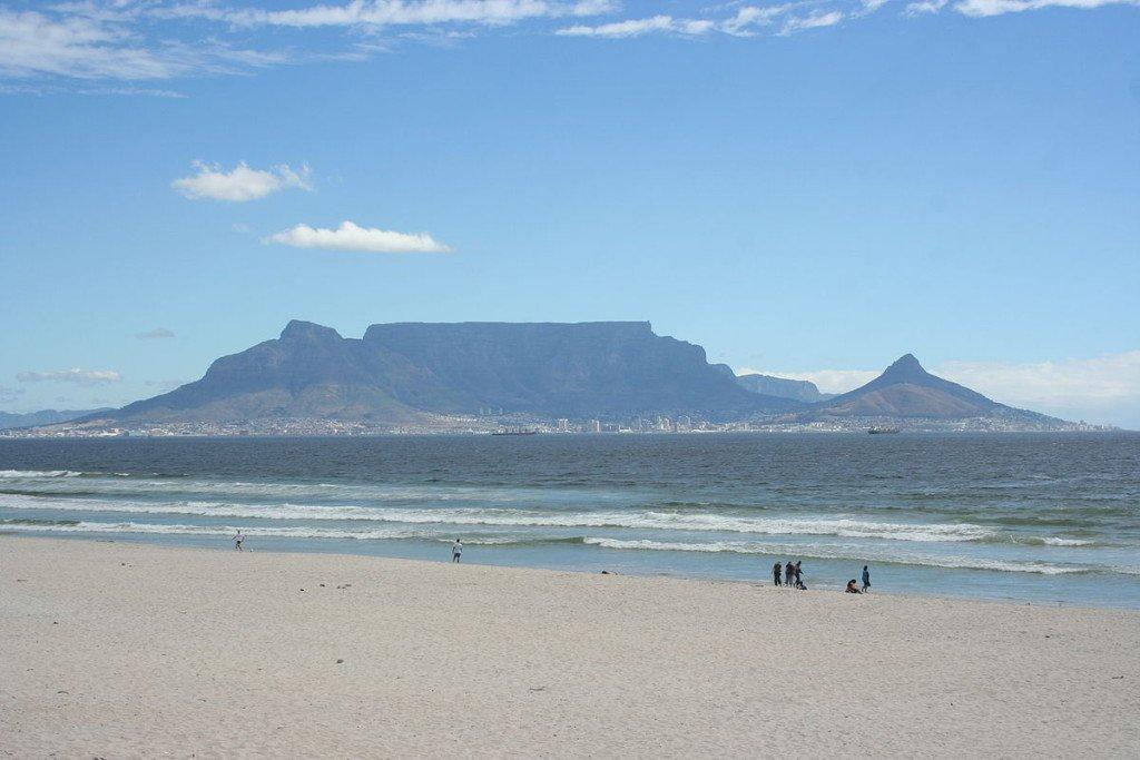 Suedafrika-Blick_auf_Kapstadt_mit _Tafelberg