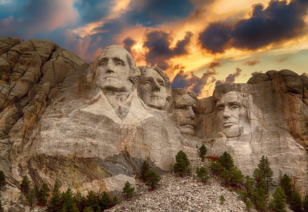 USA - Mount Rushmore