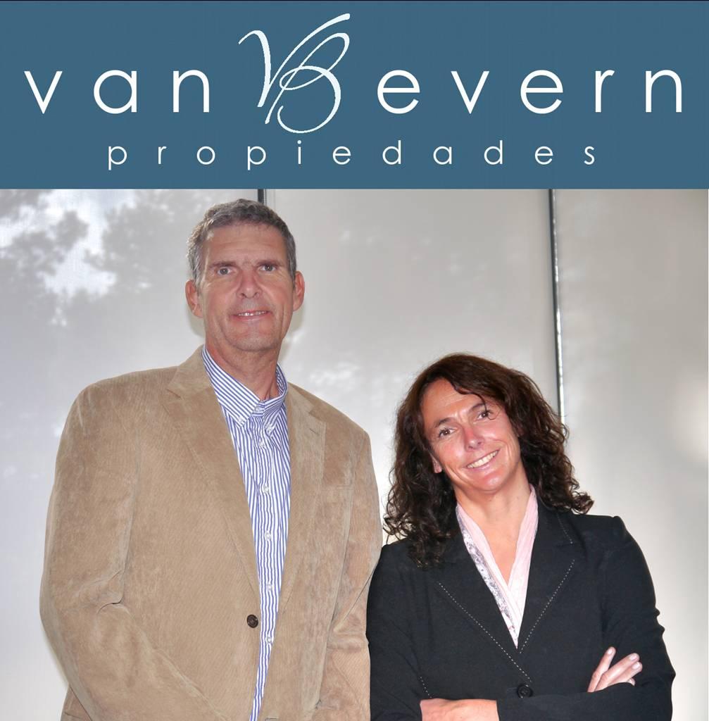 Uruguay-van_Beverenfoto-mit_Logo