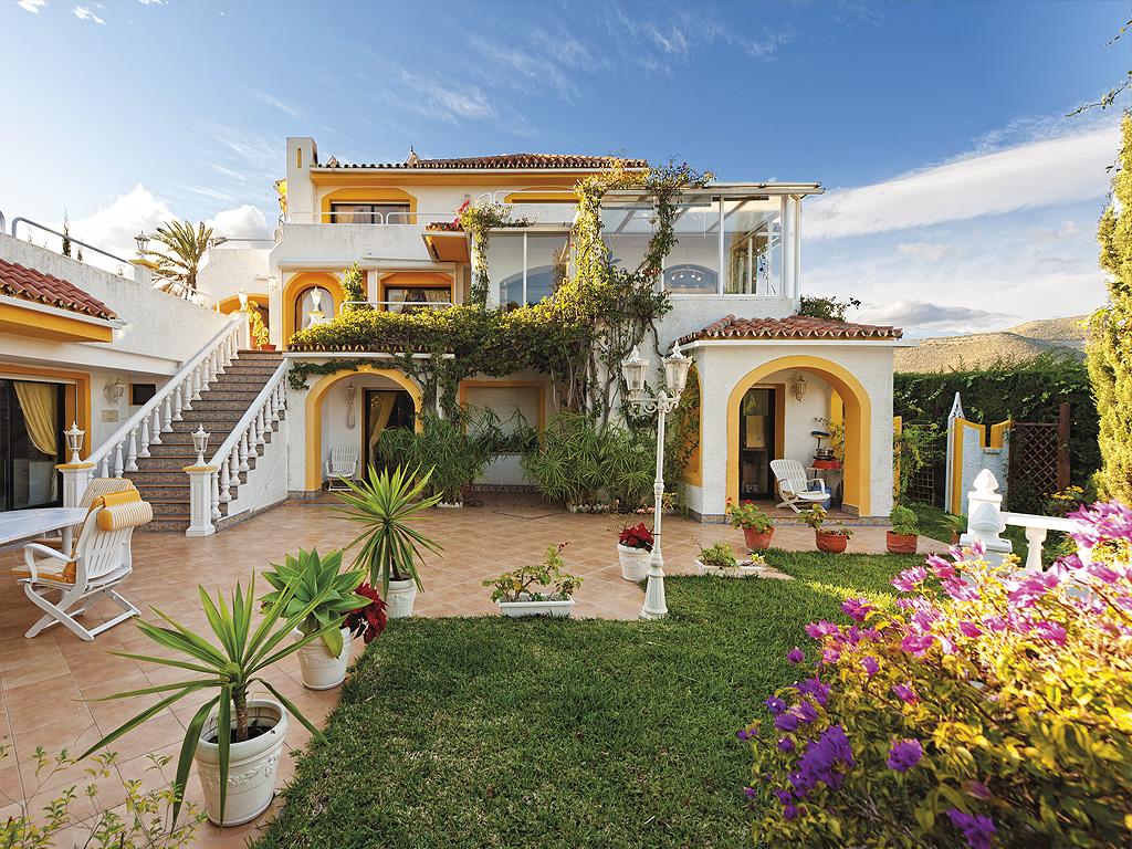Villa-in-Marbella-Finest-Marbella-Immobilien-V-007-16.jpg