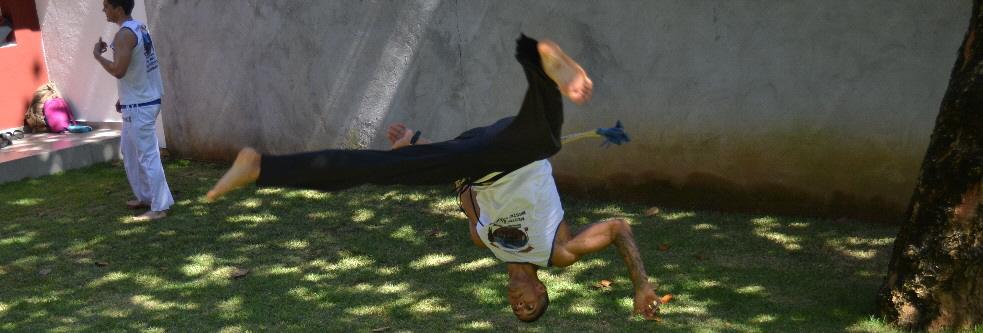 capoeira-camp-salvador-upside-down_1.jpg