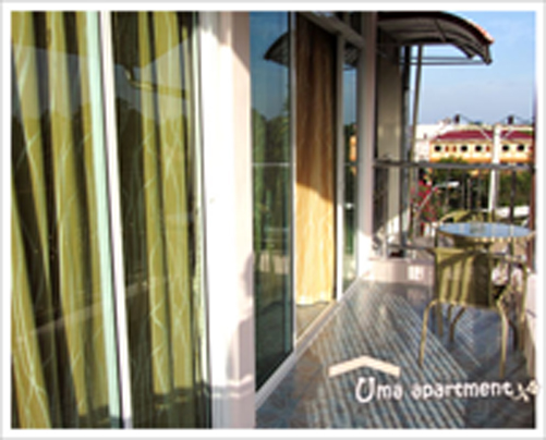 deluxe-balcony.jpg